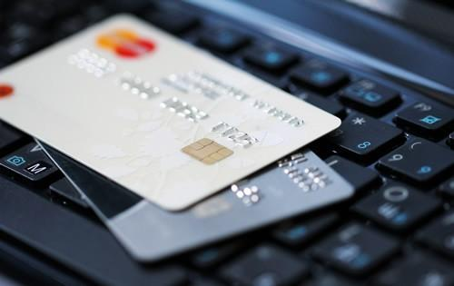 How to Pick Between Two Great Credit Cards