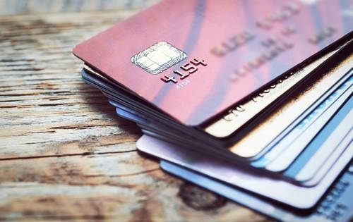 3 Tips for Juggling Multiple Credit Card Balances
