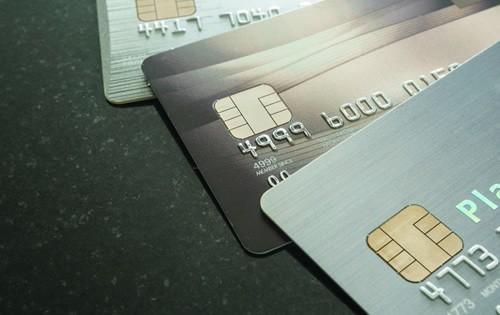 credit-cards-2921
