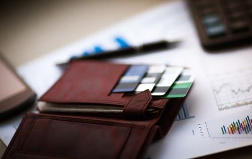 credit-cards-wallet-251