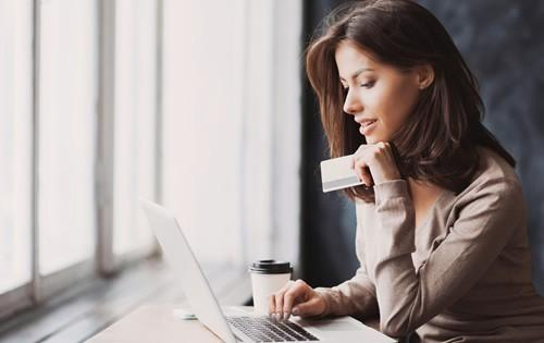 woman-laptop-credit-card