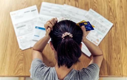 woman-frustrated-debt-credit-cards