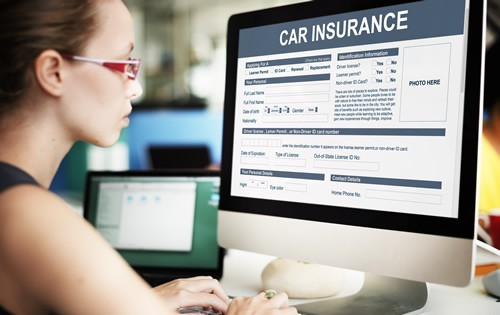 woman-computer-car-insurance-quote