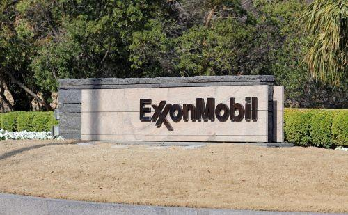 Exxon-Mobil Takes Top Spot on Fortune 500 List