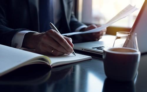 investment-portfolio-desk