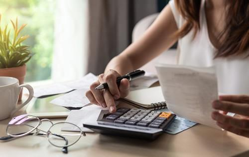 3 Traits for Maintaining a Successful Budget