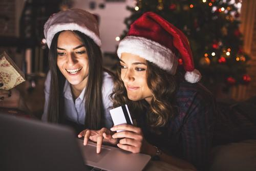 8 Tips for Using Your Credit Card for Holiday Shopping